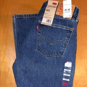 NWT Levi's 505 Regular Fit Jeans Men's 34/32
